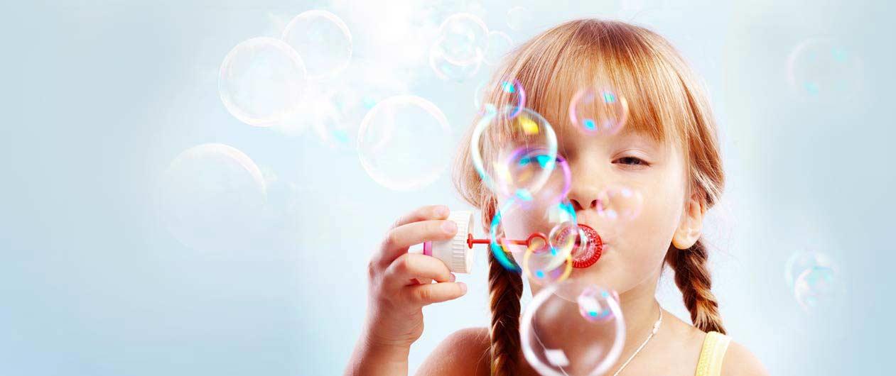 Kiddi - Mädchen mit Seifeblasen